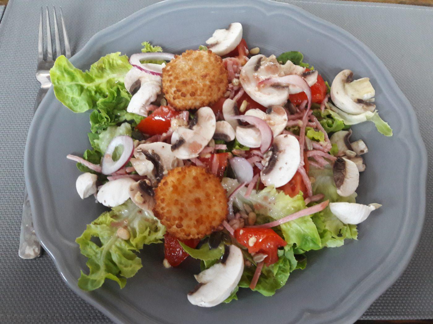 Salade fraîcheur chèvre pané