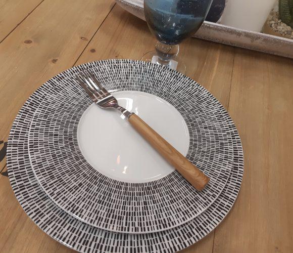 Table noir et blanche
