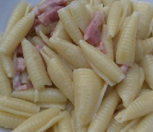 Pasta Castellana alla carbonara ( originale) 🍲