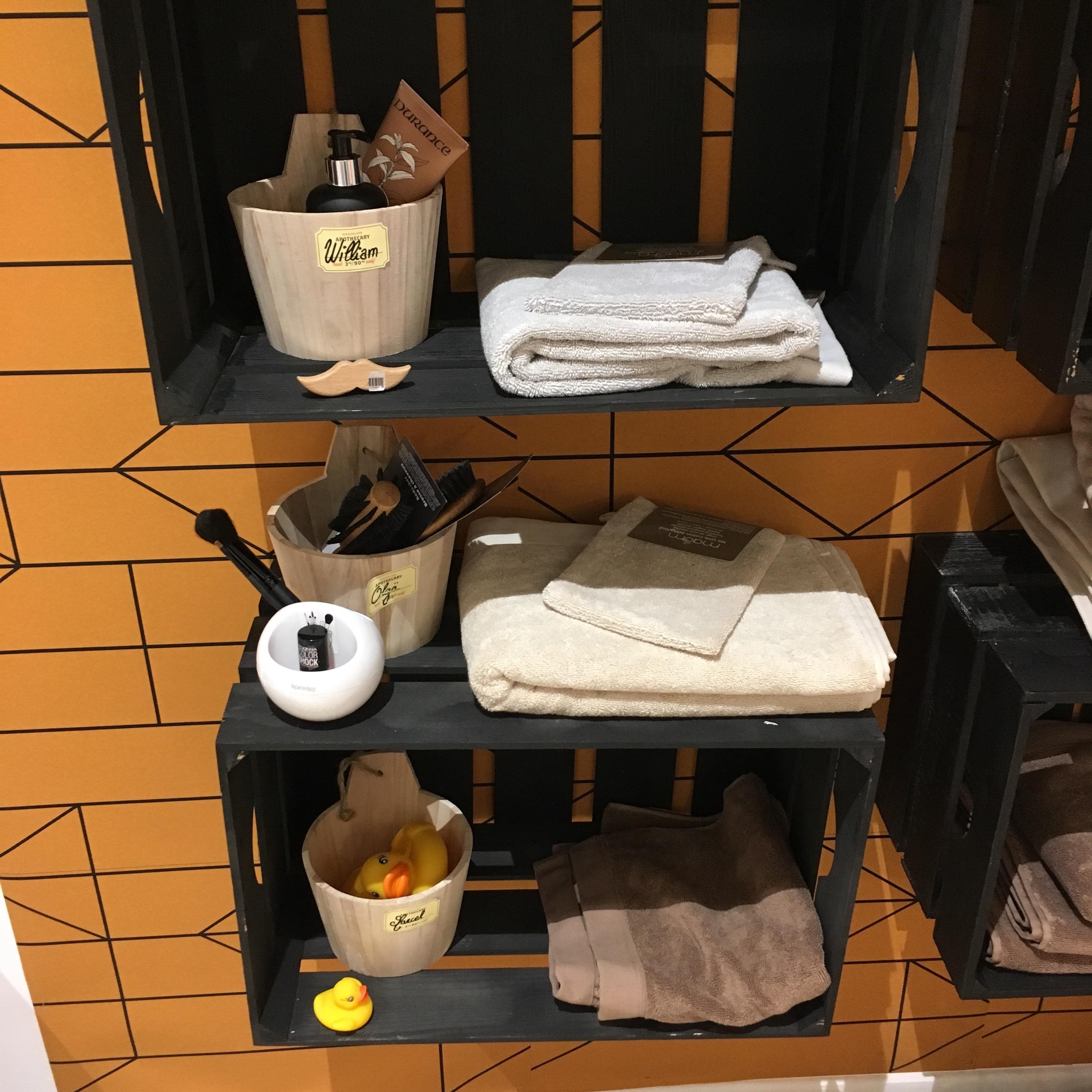 Mon étagère de salle de bain en caisse