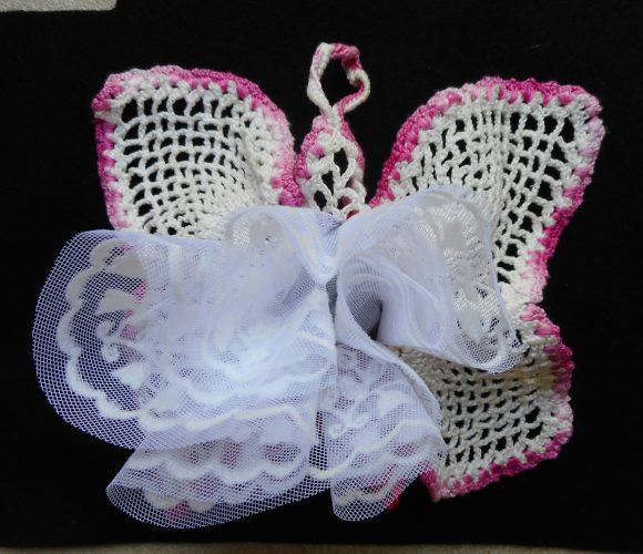 Crochet : un papillon pour vos dragées de mariage ou baptême