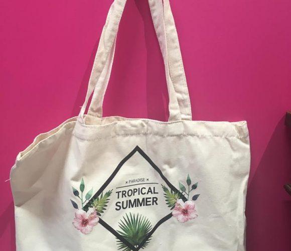 J'ai testé pour vous le sac en coton imprimé Tropical