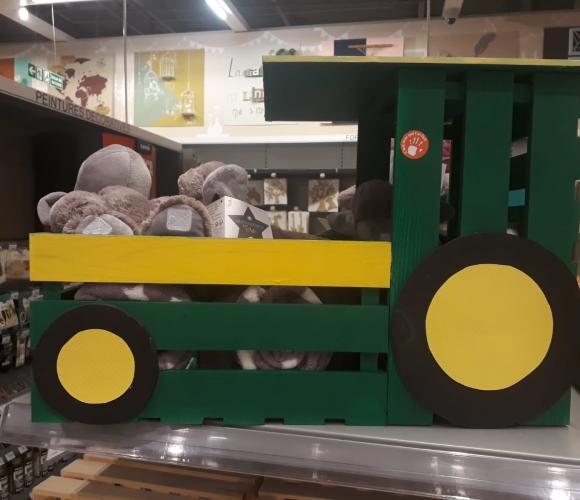 Coffre à jouet tracteur en cagette