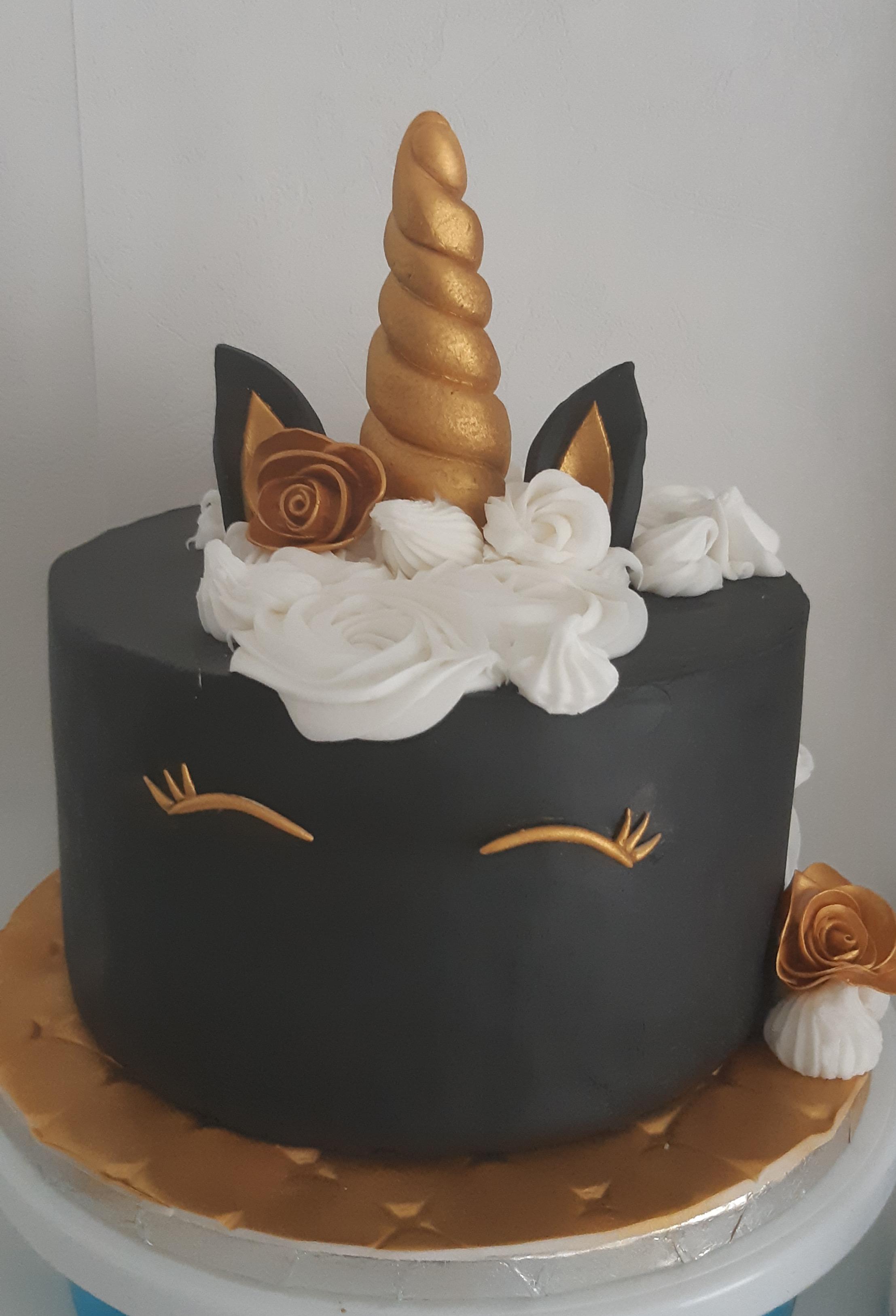 Gâteau Licorne Noir et Or