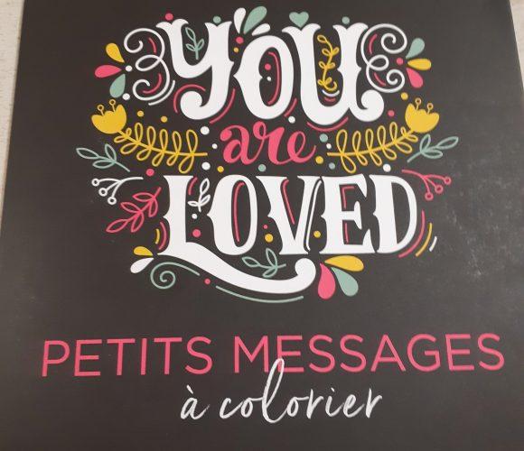 J'ai testé pour vous le cahier de petits messages à colorier de chez Marabout