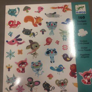 """J'ai testé pour vous les 160 stickers """"petit amis"""" de djeco"""