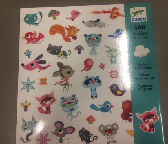 J'ai testé pour vous les 160 stickers «petit amis» de djeco