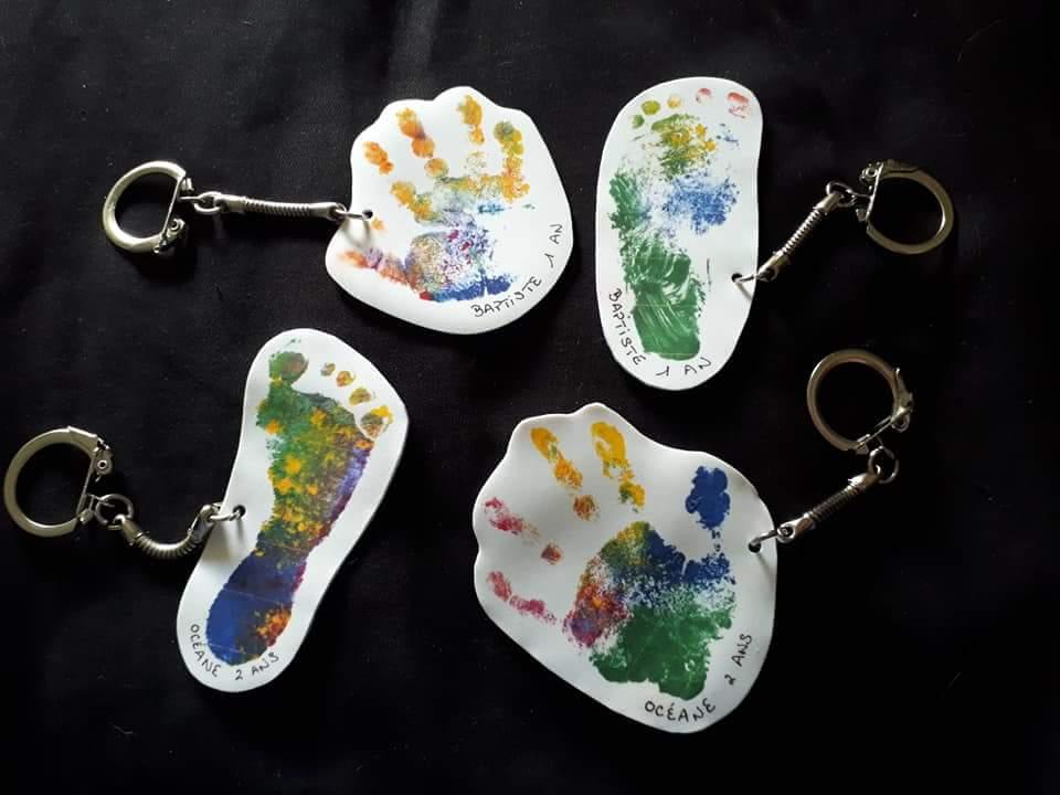 Porte-clés réalisés avec le plastique dingue et les fermoirs de Zodio