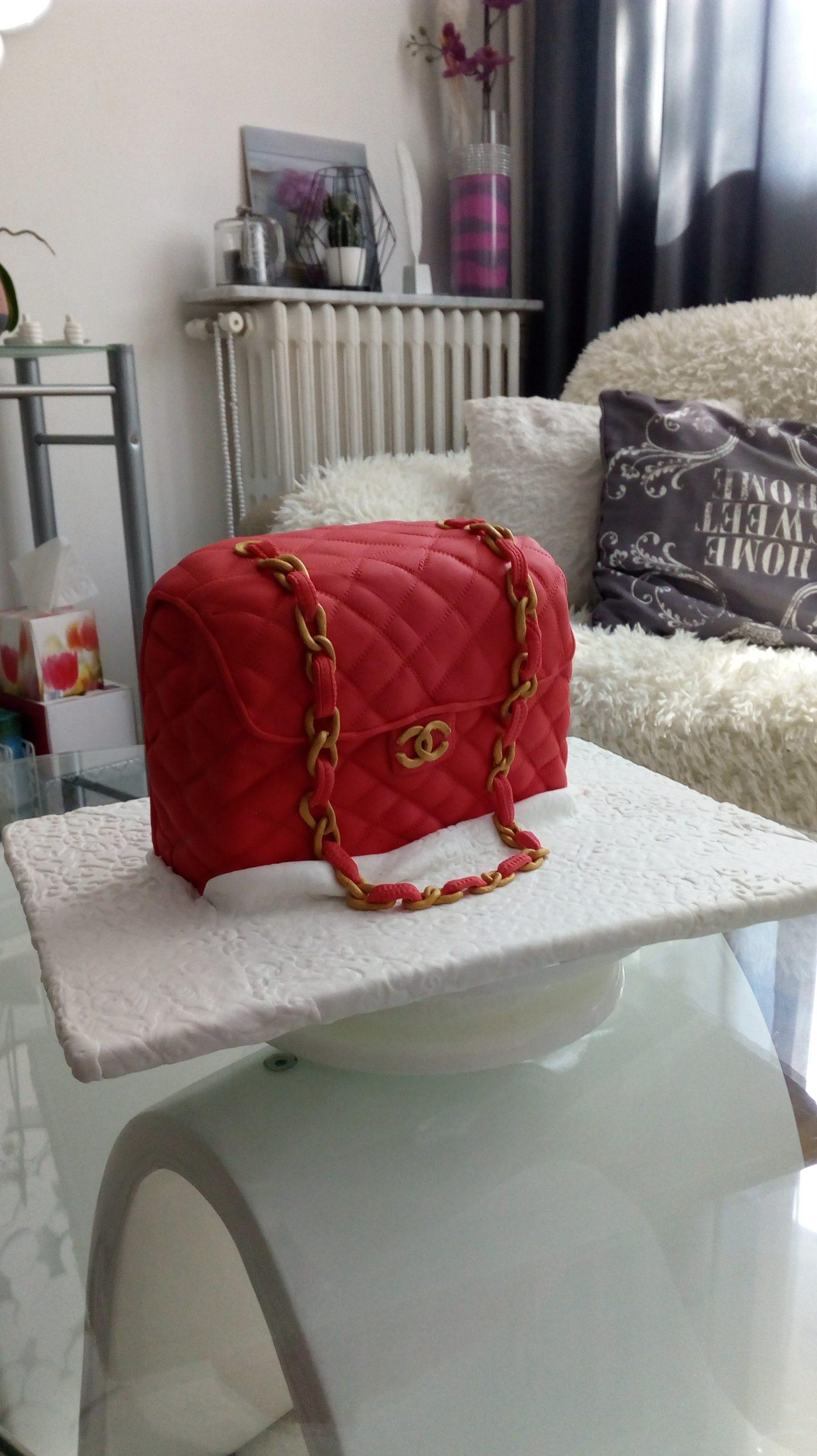 Gâteau sac Chanel en pâte à sucre