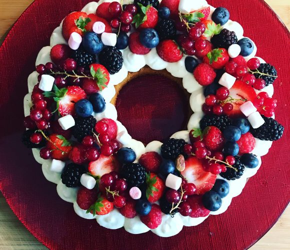 Gâteau frais aux fruits rouges 🍒🍓