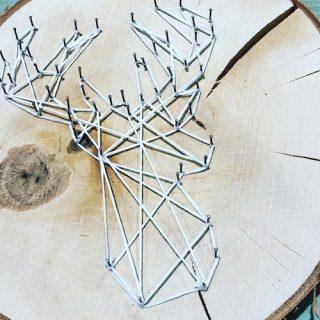 Idée Déco Noël : String Art sur rondin de bois !