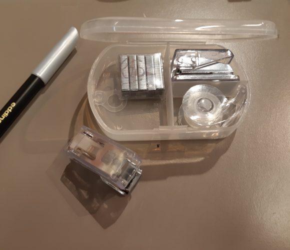 J'ai testé pour vous indispensable kit bureau 2 mini-agrafeuses + agrafes + adhésif rouleau
