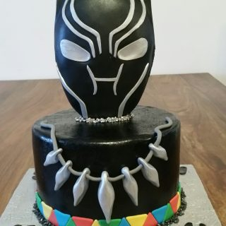 Black panthère cake design