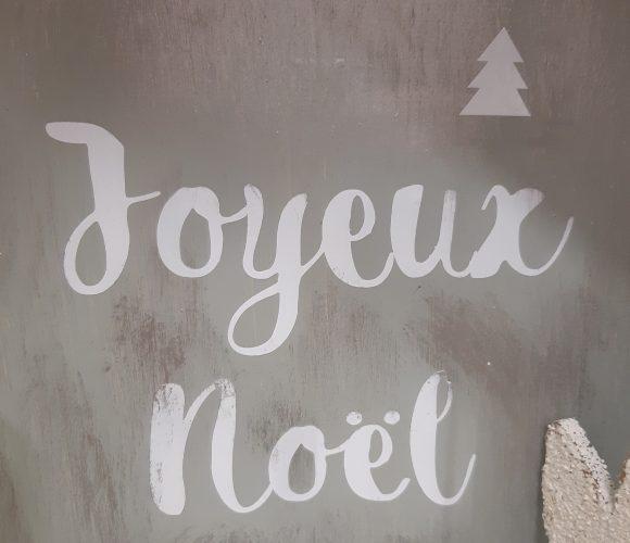 J'ai testé pour vous stickers vitres blanc Joyeux Noel!!!