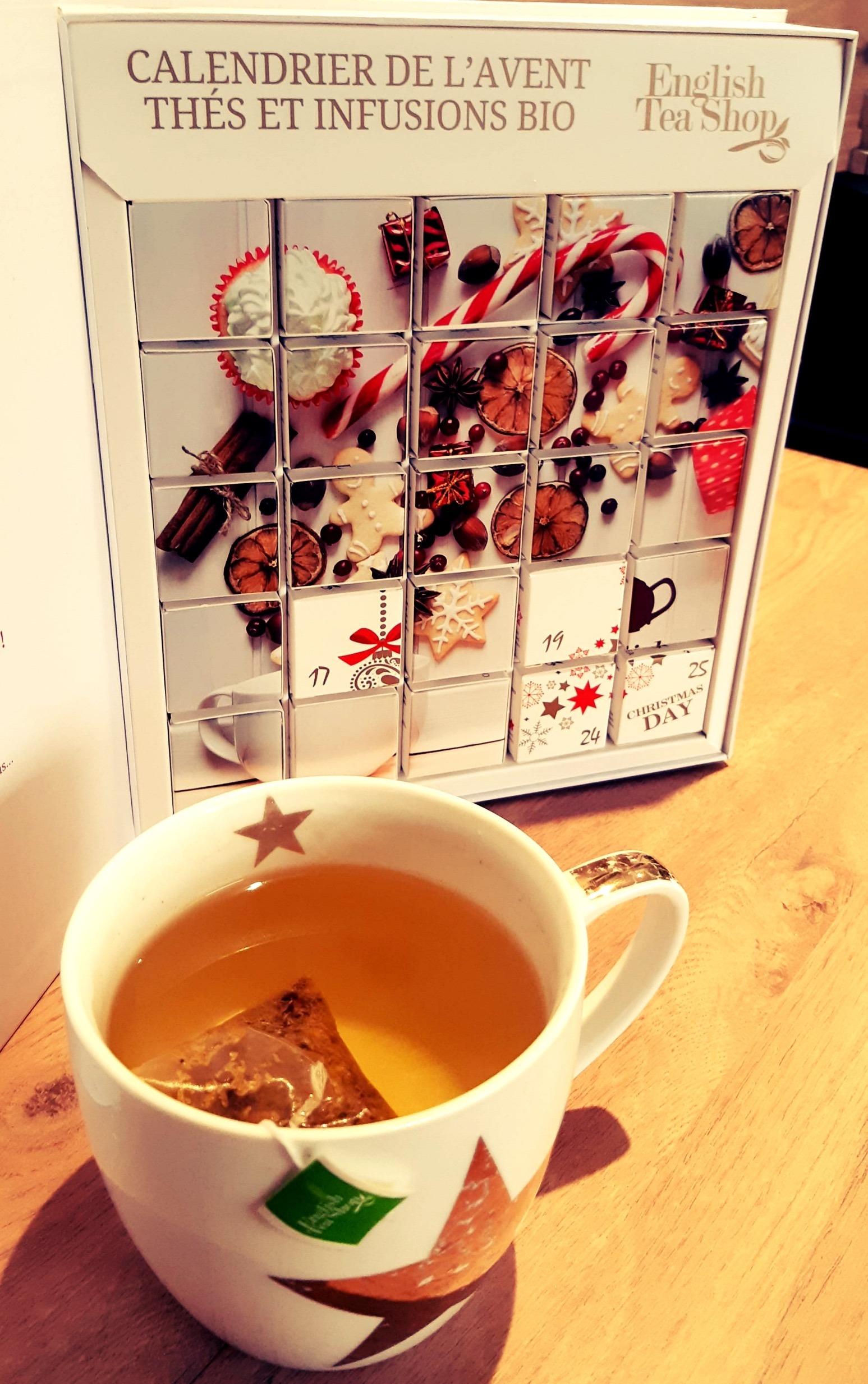 En attendant Noël, j'ai choisi pour me faire plaisir, le calendrier de l'Avent Bio English Tea Shop