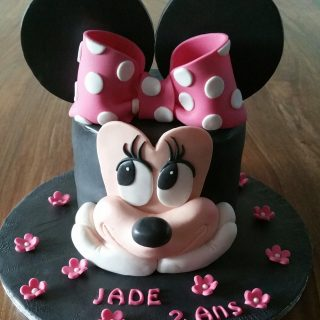 Minnie cake design