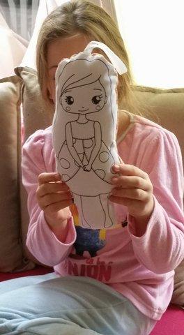 Ma poupée à peindre Izzie !