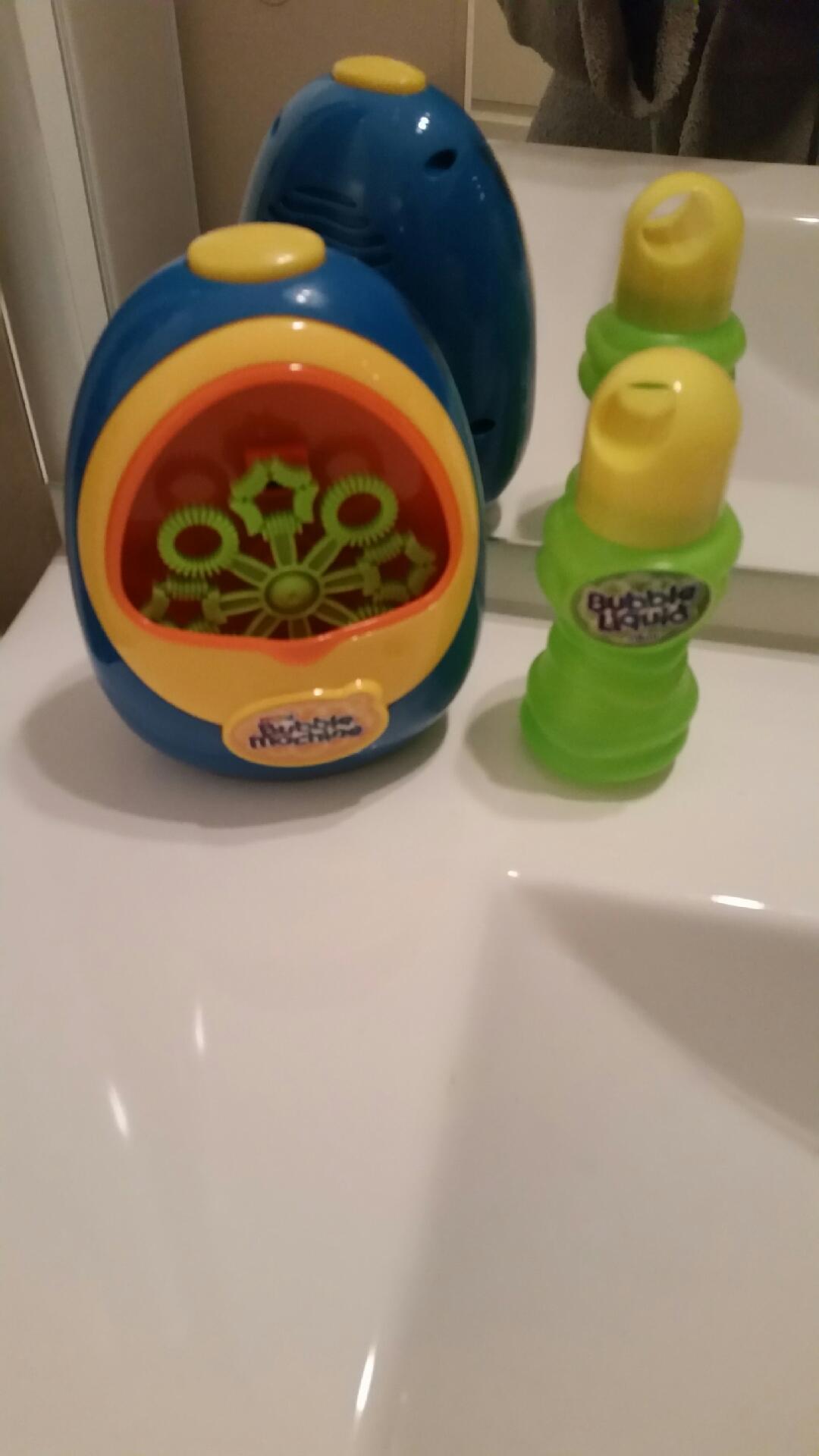 Ma mini machine à bulles  (enfin plutôt celle de mon fils) !
