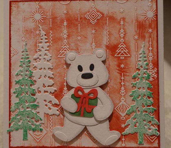 Carte Noel ours sur fond rouge