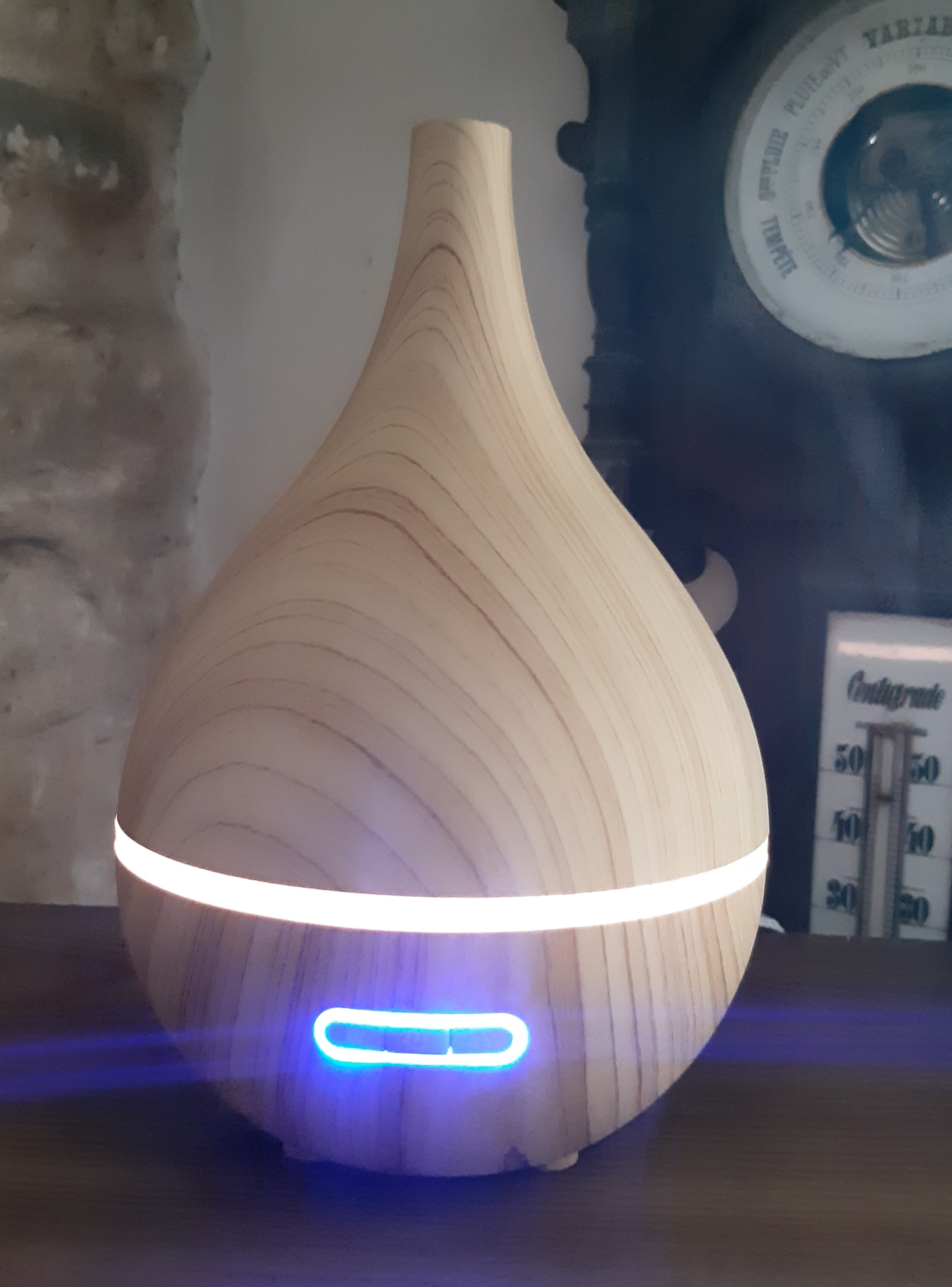J'ai testé pour vous diffuseur d'huiles essentielles en bois lumineux en forme de poire oléo