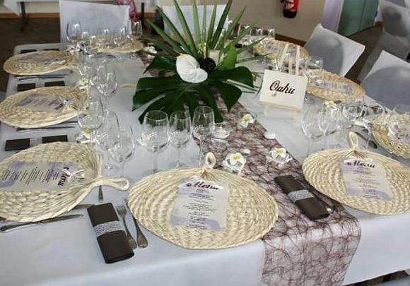 Décoration table thème les îles hawaïennes