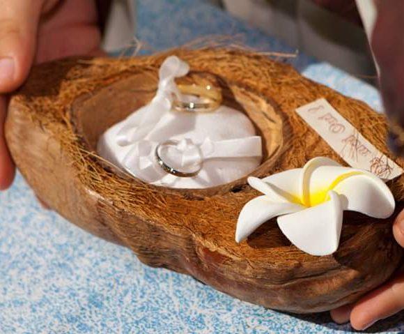 Fabrication d un porte alliance avec une demie noix de coco