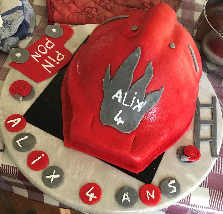 Gâteau casque de pompier
