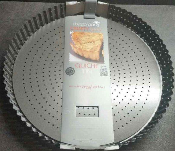 Moule à tarte perforé amovible