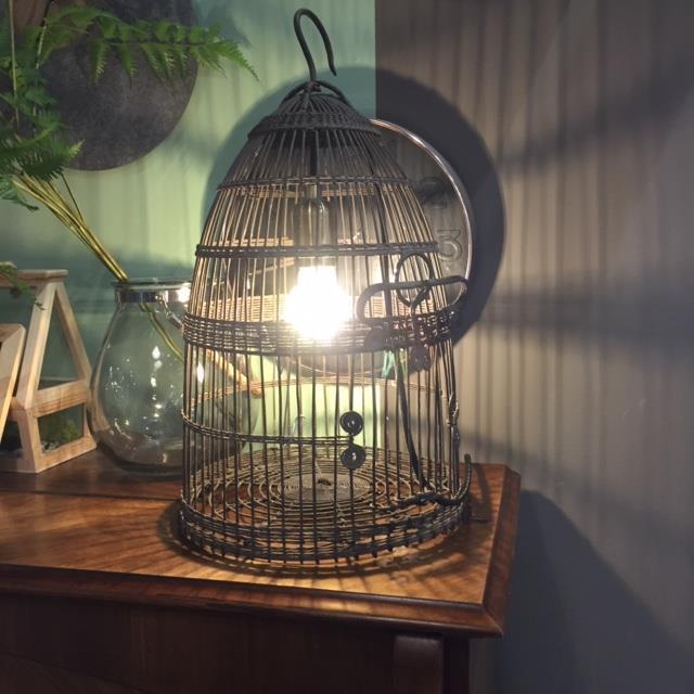 Ma lampe cage à oiseaux détournée !