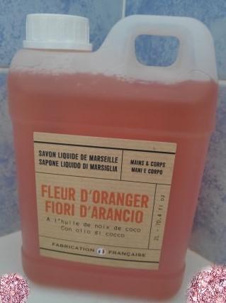 J'ai testé pour vous savon liquide de Marseille Fleur d'Oranger  2 litres