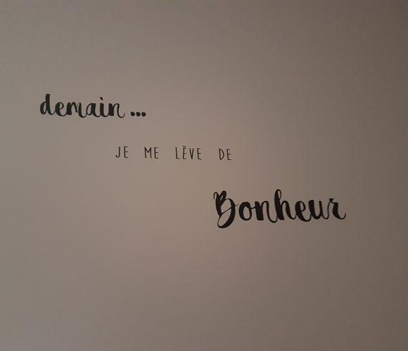 Stickers «Demain je me lève de bonheur»