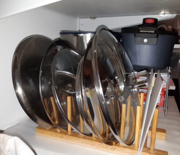 J'aménage mon arrière cuisine 1.2 : LE RACK A COUVERCLES