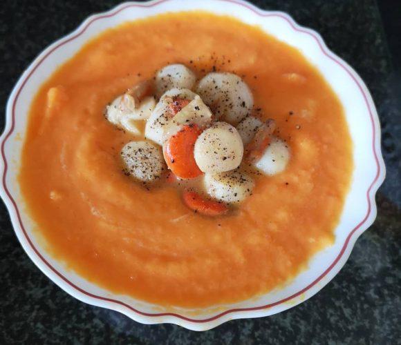 Velouté de carotte et poêlé de Saint Jacques