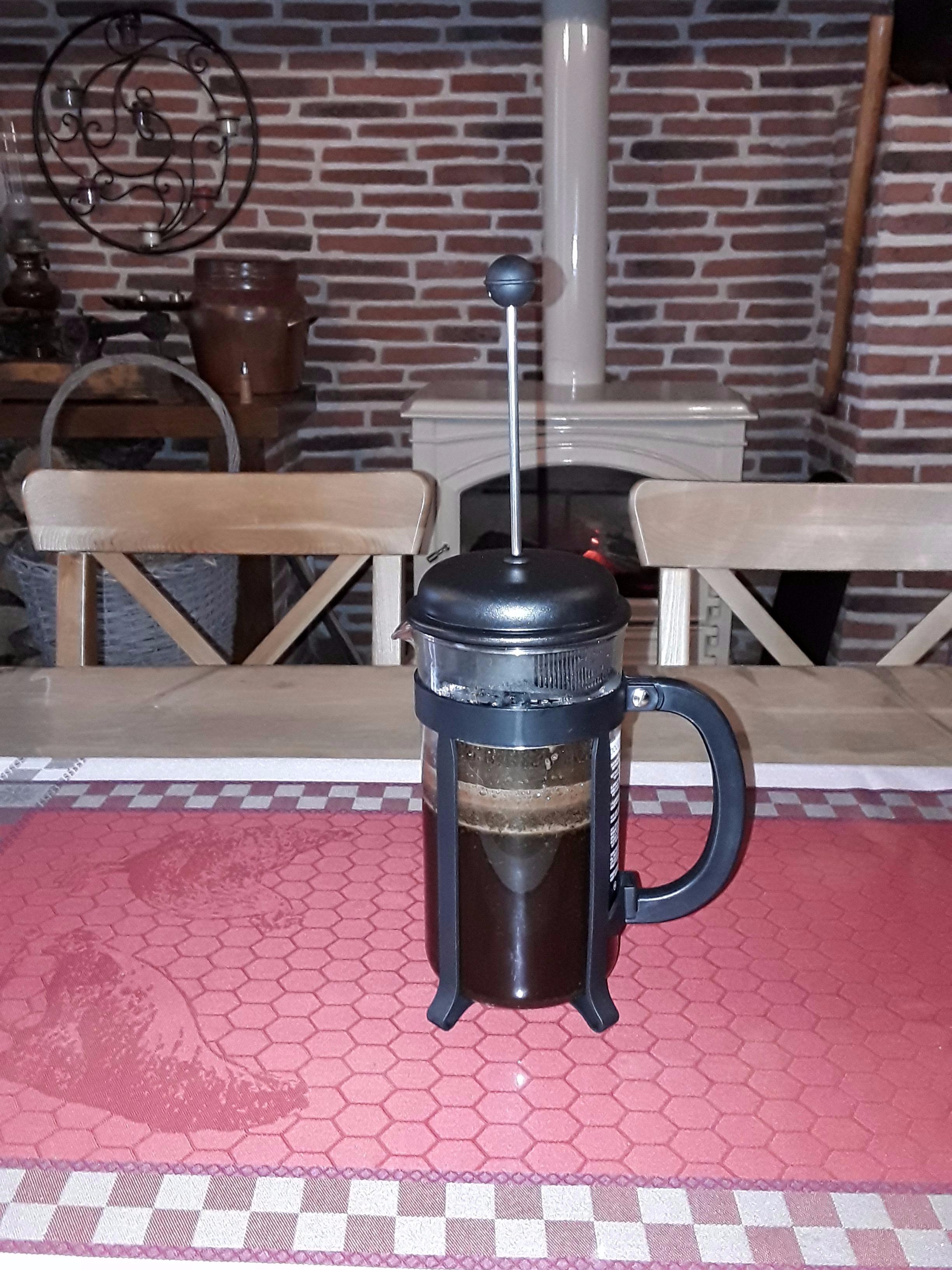 J'ai testé pour vous le coffret cafetière piston 8 tasses et un travel mug isotherme