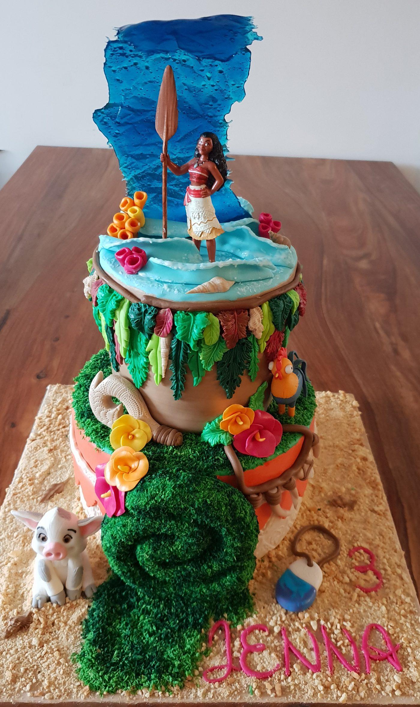 Vaiana cake design