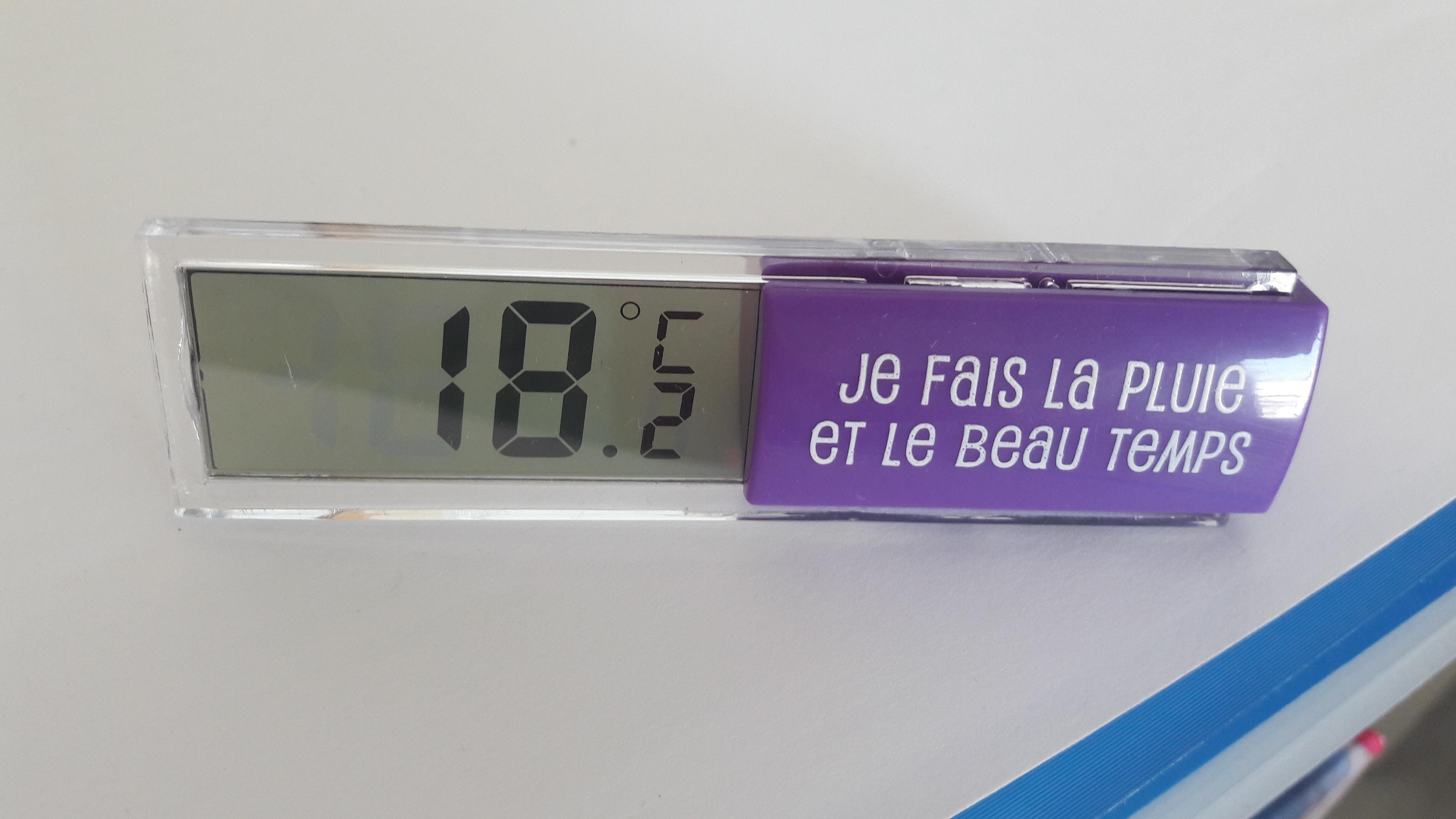Petit thermomètre d'intérieur simple et pratique