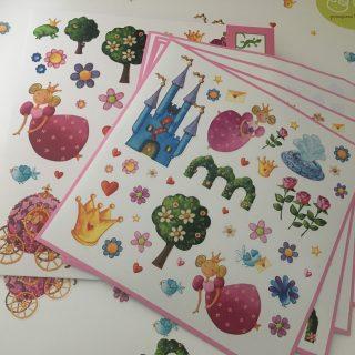 J'ai testé pour vous les stickers princesses de chez Djeco