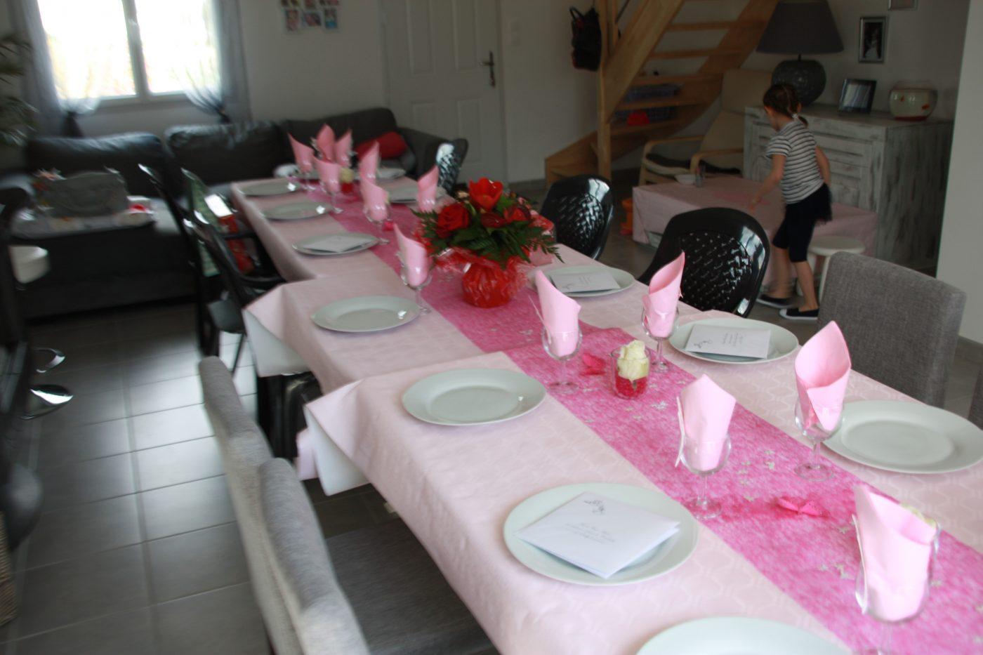Anniversaire table rose et fushia