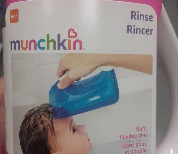J'ai testé pour vous munchkin Carafe Rince cheveux… Plus de cries !!!!
