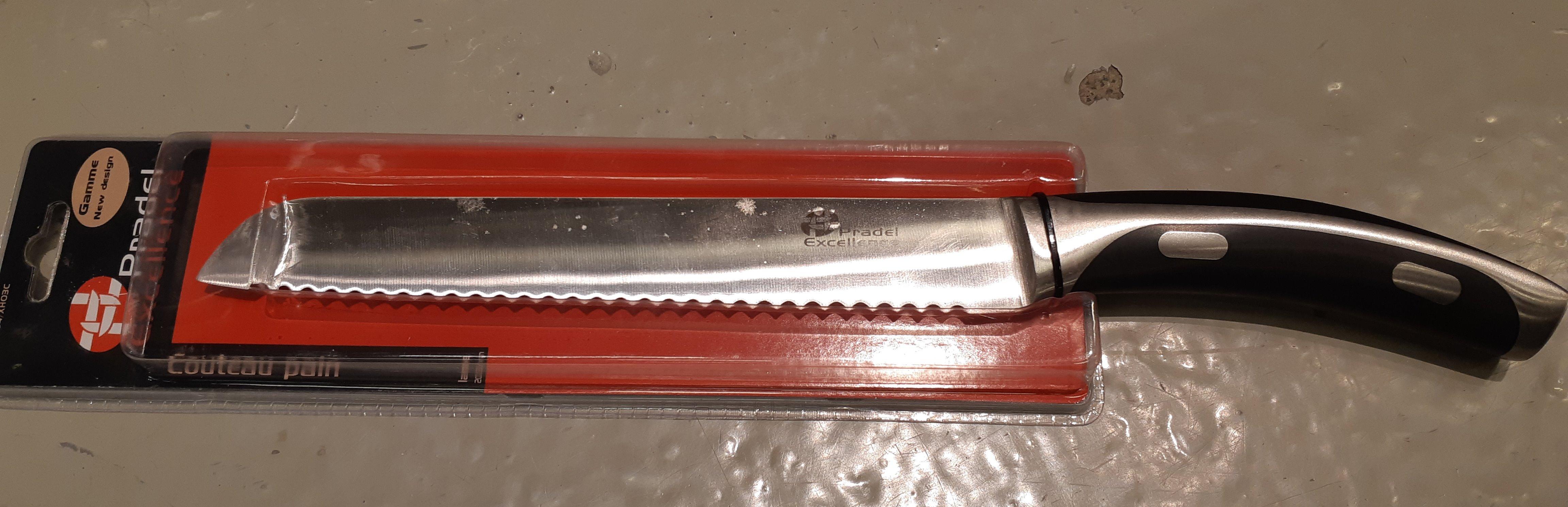 J'ai testé pour vous le couteau à pain Inox forge