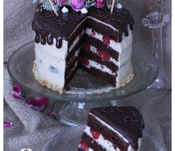 Drip cake chocolat cacahuète framboise
