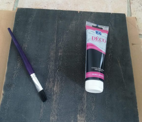 J'ai testé pour vous la peinture déco acrylique «noir mat»