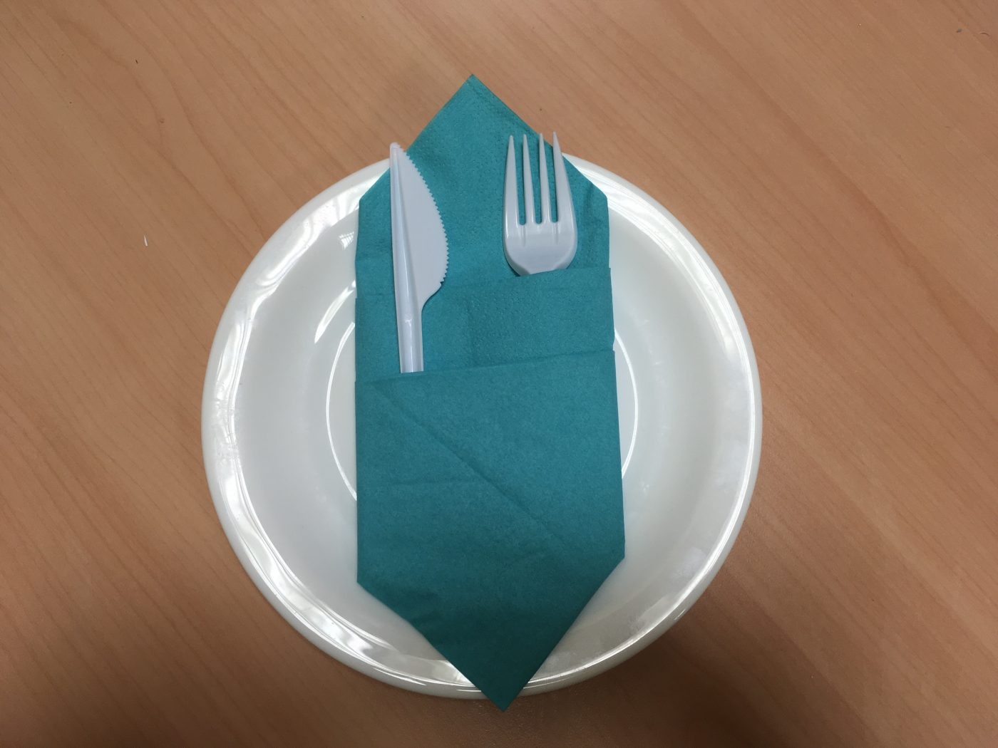 Mode d'emploi du Pliage de serviettes en forme de  Range Couverts