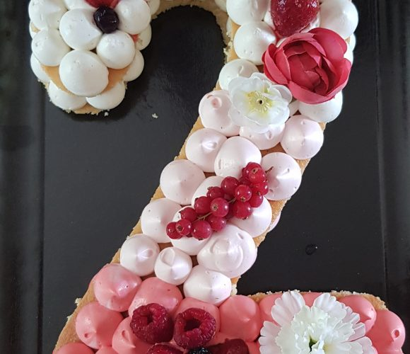 Number cake fruits rouges