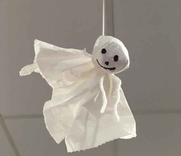 Une décoration d'enfer d'Halloween : Fantôme à suspendre !