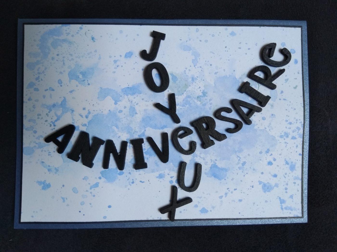 carte d'anniversaire masculine avec lettres en bois noir