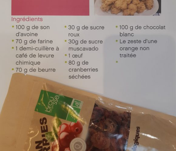 Les cookies au son d'avoine,chocolat blanc et cranberries bio!!!