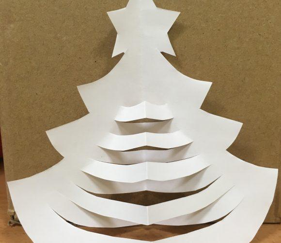 Sapin de Noël en papier à faire avec les enfants !