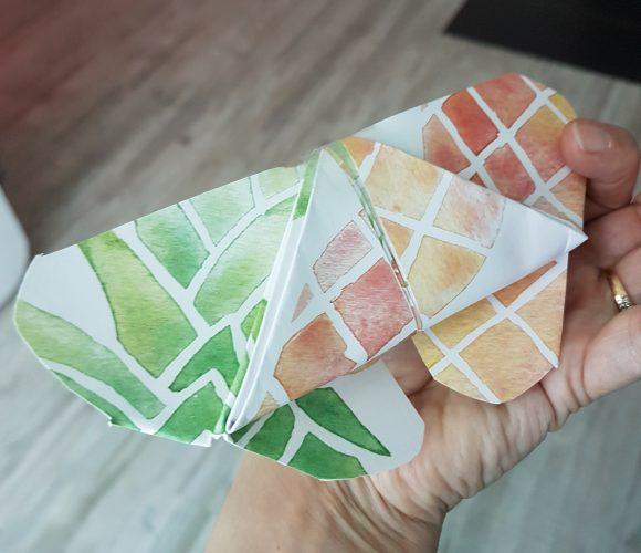 Un joli papillon papier