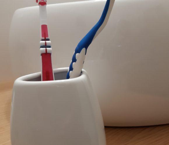 J'ai testé pour vous gobelet silk blanc pour brosses à dents 5 five simply smart